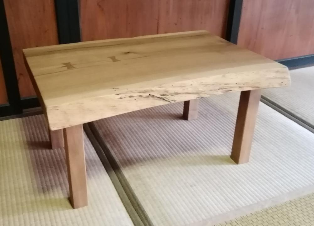 楢のリビングテーブル