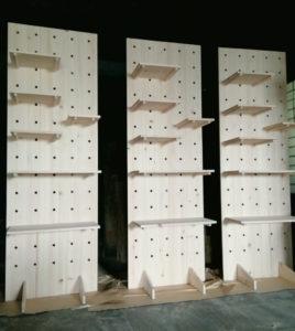ヒノキ集成材の有孔ボード